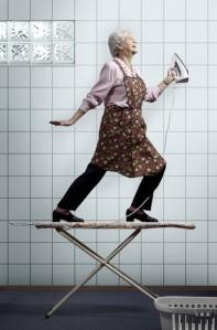 ironing,funny,grandma,grannie,humor,iron-b116ad3330c2b330558c35943919c5c3_h
